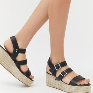 UO shayleigh espadrille wedge in black